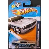 Hot Wheels 2012 Dodge Challenger Concept Heat Fleet 12 153247 164 Scale