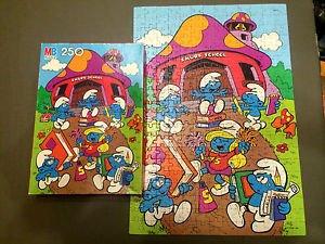 Smurfs Smurf School 250 Piece Vintage Puzzle Milton Bradley 19 78 x 13 78