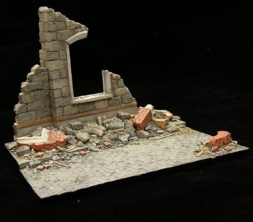 Alliance Model Works 135 Small European Rubble Resin Diorama Base LW35002