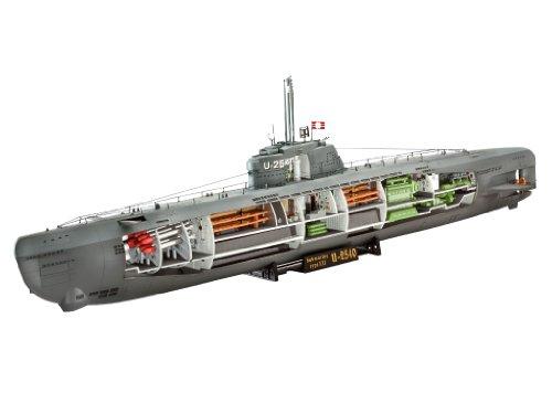 U-Boat Type XXI German Submarine wInterior 1144 Revell Germany