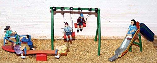 Childrens Playground scene OO Scale 176 UNPAINTED Model Kit