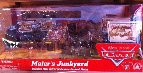 Disney Park Cars Maters Junkyard Playset NEW Tow Mater