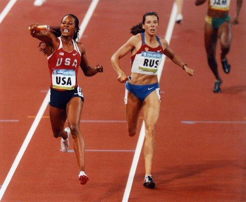 SONYA RICHARDS-ROSS USA OLYMPIC SPRINTER 8X10 SPORTS ACTION PHOTO S