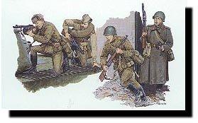 Dragon Soviet Motor Rifle Troops Berlin 1945 135 Scale Military Model Kit