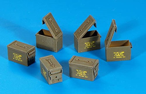 Plus Model 135 US Ammunition Boxes Cal 556 PE Diorama Accessory 318
