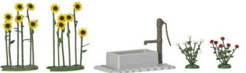 Busch 1232 H0 Scale Train Accessory - Sunflowers Roses wWater PumpTrough