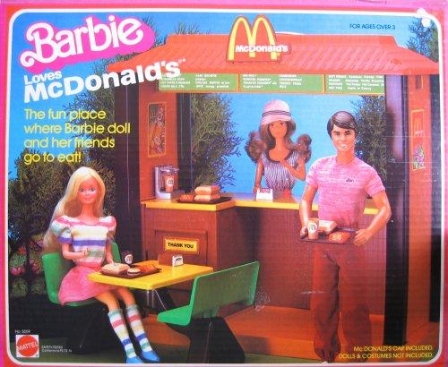 Barbie LOVES McDONALDS Playset w 32 Pieces 1982