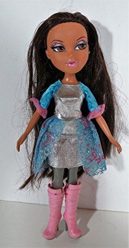 12 Yasmin BRATZ Fashion Show Doll 2010