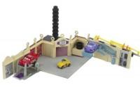 Cars-Luigi-s-Cassa-Della-Tires-Playset-33.jpg